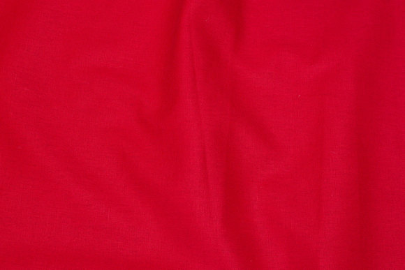 Lightweight quality in red linen and cotton