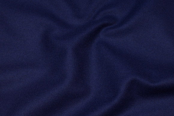 100 % medium-thickness wool flannel in navy