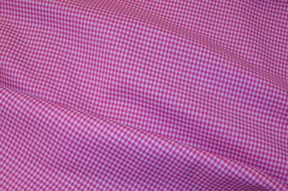 Kitchen 2mm checkers in pink and white