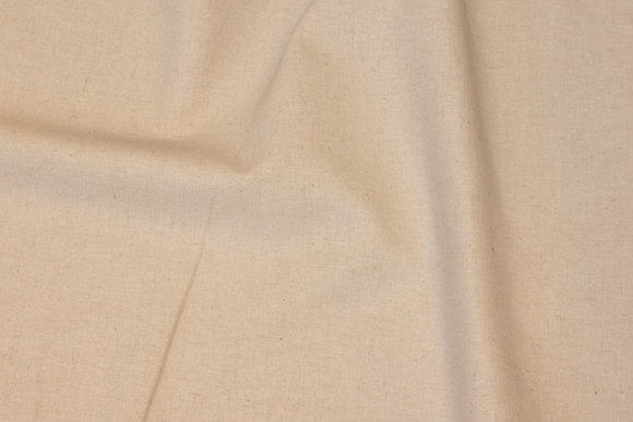 Lightweight quality in natural-colored linen and cotton