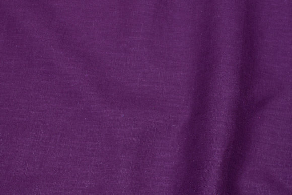 Linen in dark purple