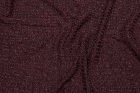 Lightweight knit in speckled bordeaux