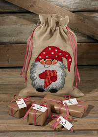 Christmas bag with elf with heart. Permin 90-4259.