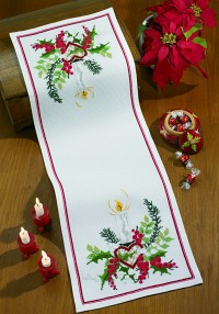 Permin 68-1208. White christmas runner with decoration.