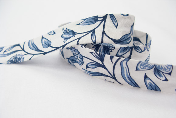 Bias tape, white with blue flowers 2 cm