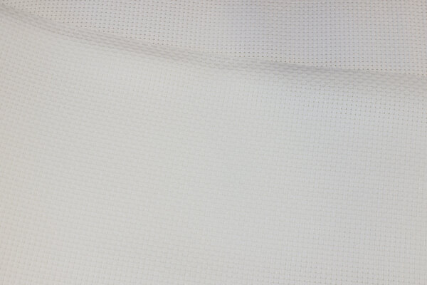 Coarse aida embroidery-fabric in white with 2.4, threads pr. cm