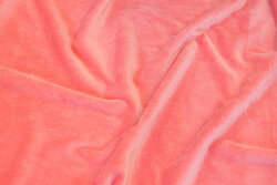 Stretch-velvet in light salmon-colored