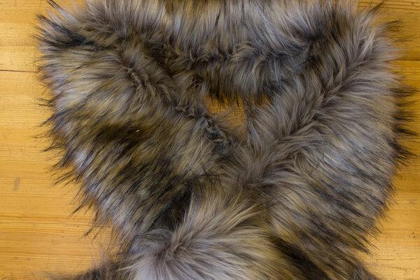 Fake fur piece in imiteretlanghåret luxux fur ca. 20 x 150 cm in light brown and grey nuances