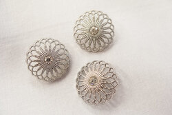 Filigree button with a stone 2,5cm