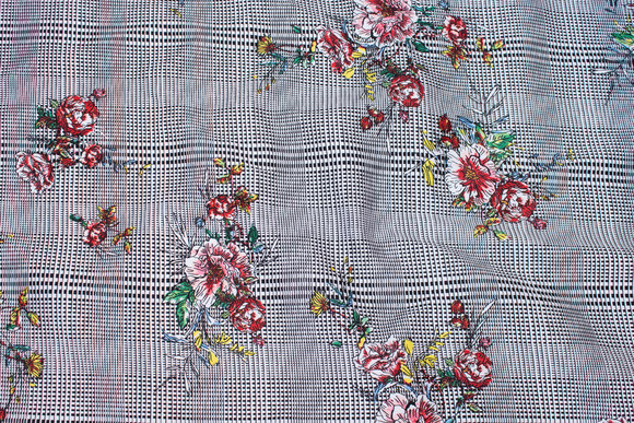 Lightweight, checked stretch-cotton with flowers