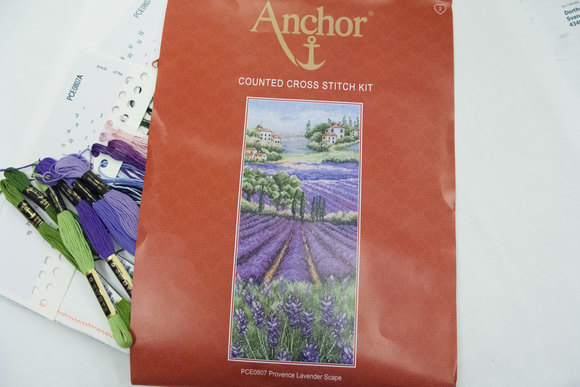 Anchor embroidery lavenderfield 32x14cm
