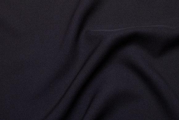 Mini-stretch polyester in black