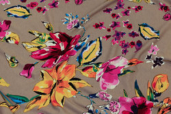 Grey viscose-jersey with pink and yellow flowers