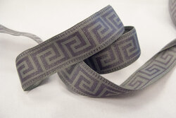 La grecque ribbon grey/grey 2,4cm