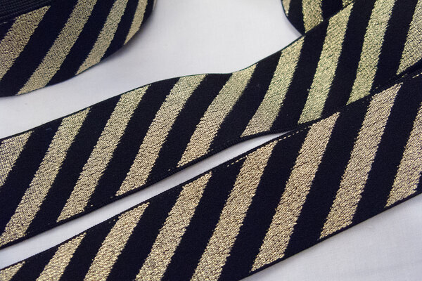 Elastic black/gold diagonals 4 cm
