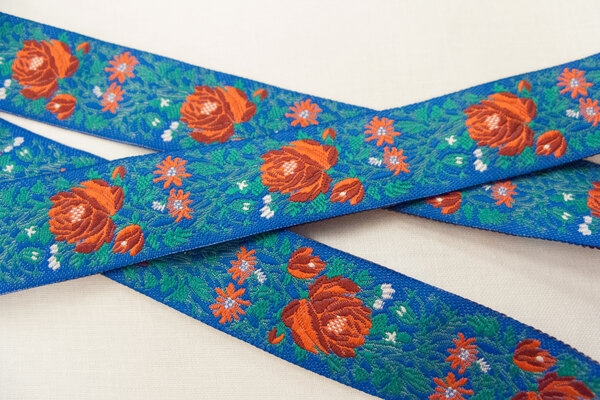 Ribbon flowers blue/red/green 2,4cm