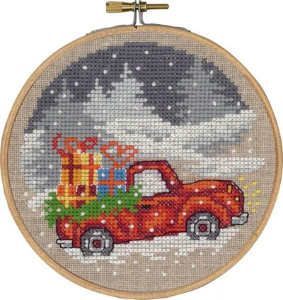 Christmas wall embroidery with car with gifts