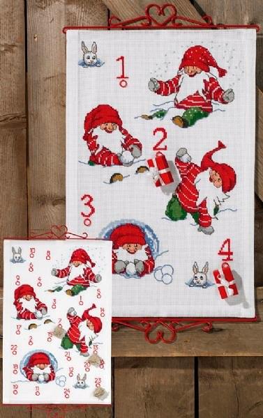 Christmas calendar, Santas playing