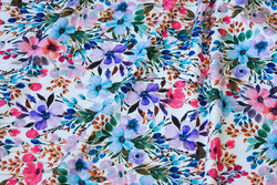White viscose-jersey with flowers
