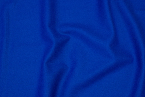 100% medium-thickness wool flannel in cobolt-blue