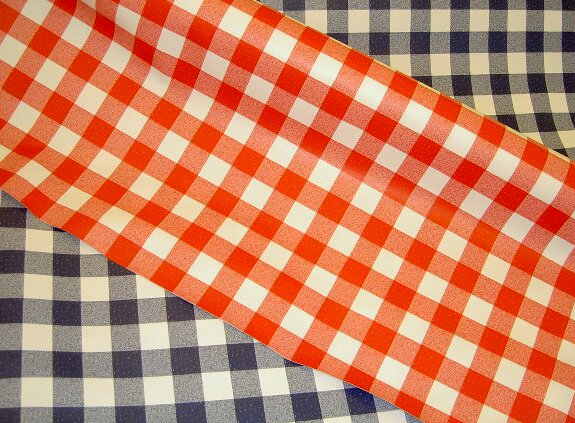 Waxed fabric with checkers