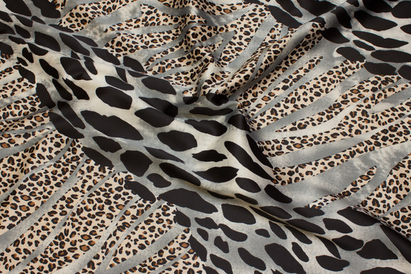 Stretch-satin in grey and black animal-print