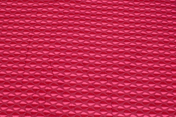 Cotton in red and pink retro-pattern