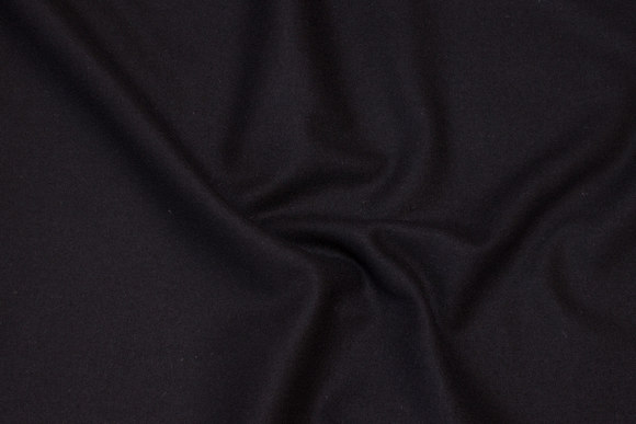 100% medium-thickness wool flannel in black