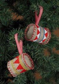 Embroidery christmas drums as trees ornaments. Permin 3248-21.