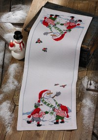 Christmas table runner in white with snowman and elfs. Permin 3656-75.