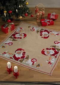 Christmas Tree Skirt with Santa Claus, snowman and goose. Permin 45-3260.