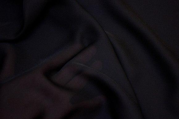Lightweight georgette in black