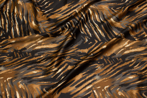 Stretch-satin in black and brown