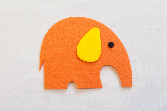 Orange elephant patch 8x7cm