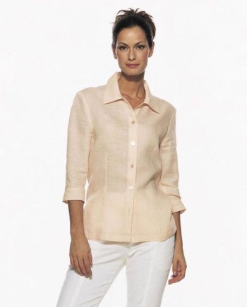 Shirtblouse with collar og button closure