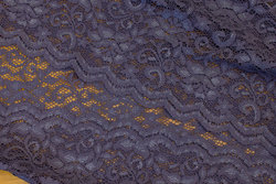 Dusty-purple stretch lace with scallop edge in both sideer