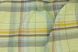 Firm, light green spring-checks in cotton