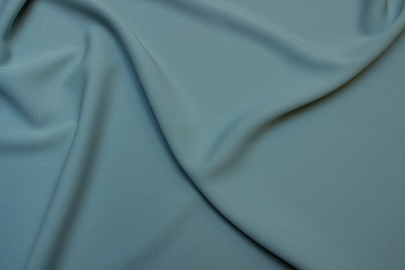 Polyester dress crepe in mint-green