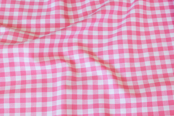 Summer-cotton in light red with 1 cm checks