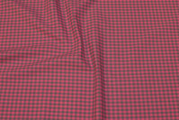 Through-woven, small-checkered cotton in grey and soft red