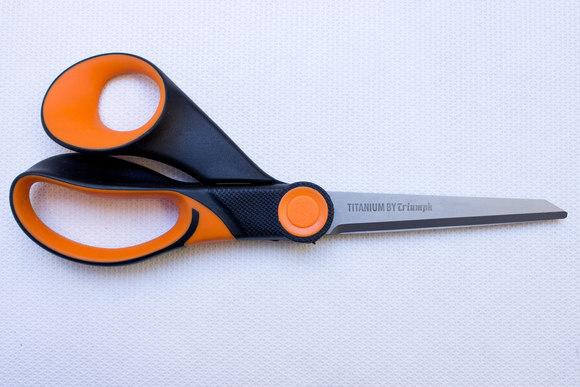 Titanium coated scissors 23 cm