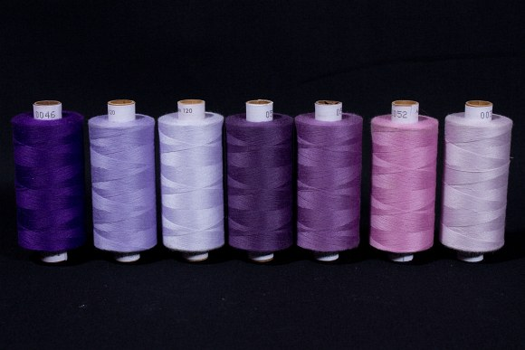 Synthetic thread standard quality, purple colors, 1000 m