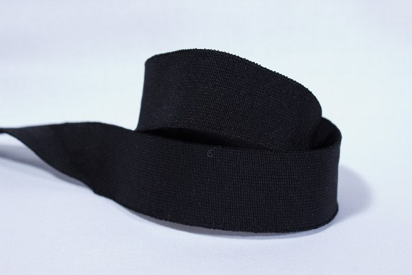 Black, firm quality elastic, 4 cm wide