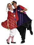 Go to the costume/ fancy dress party in partner look! You´ll surely win the prize with these clown costumes. Each features incorporated plastic tubing – on the hem edge of the dress and on the pants seam of the overalls. Add a large rounded collar and pompoms or an oversized tie to complete the picture.  Women: burda sizes 36/38, 40/42, 44/46, 48/50, 52/54 Men: burda sizes 44, 46/48, 50/52, 54/56, 58/60.