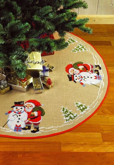 Christmas tree skirt, round, snowman and santa claus