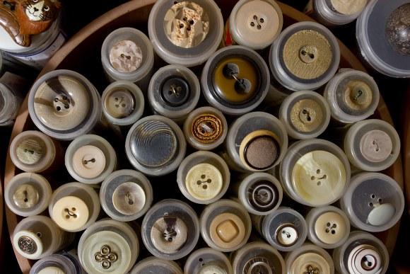Beige-brown buttons 2