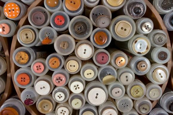 Beige-orange buttons 1