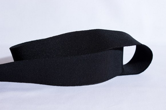 Black, firm quality elastic, 3 cm wide