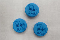 Button with dog 1.5 cm blue