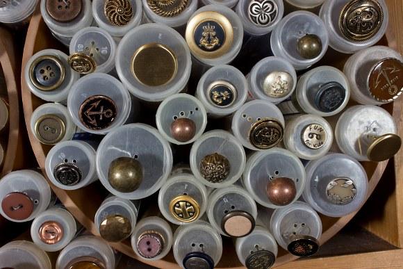 Metal buttons 10